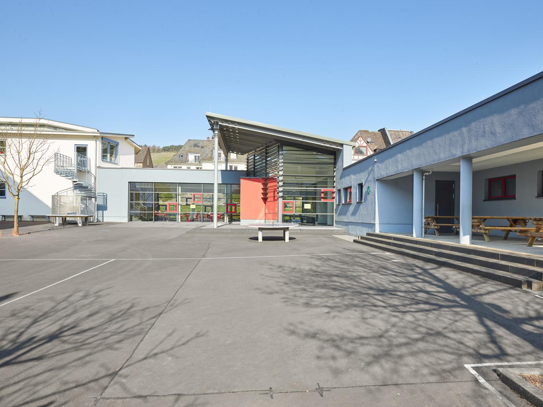 Grundschule Kues Pausenhof