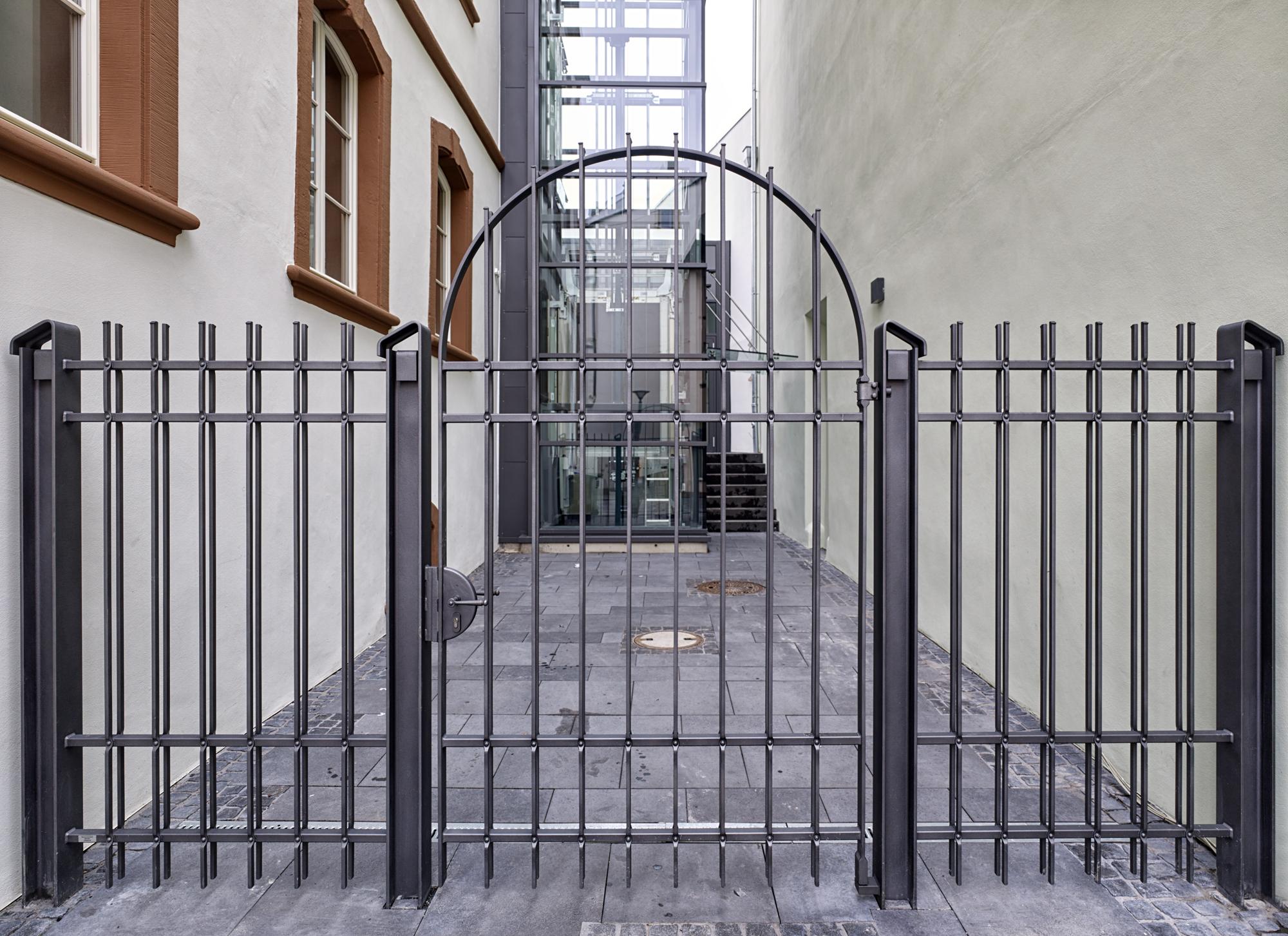 Thurn und Taxis Gebäude, Wittlich Revitalisierung Außenansicht Tor