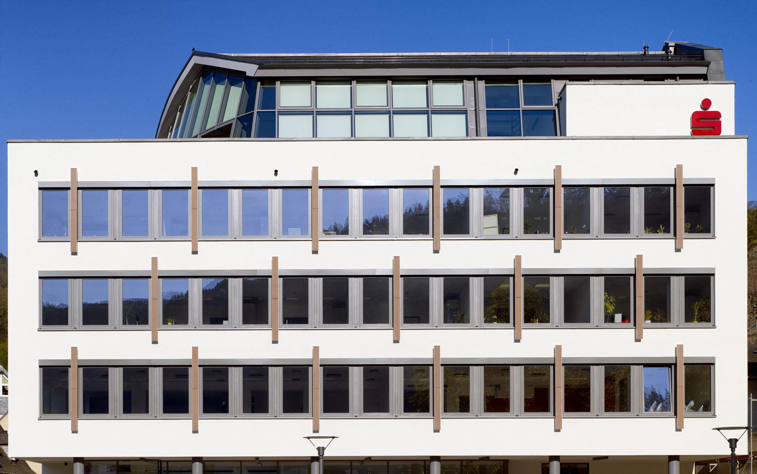 Sparkasse, Cochem Umbau und Sanierung Fensterfront