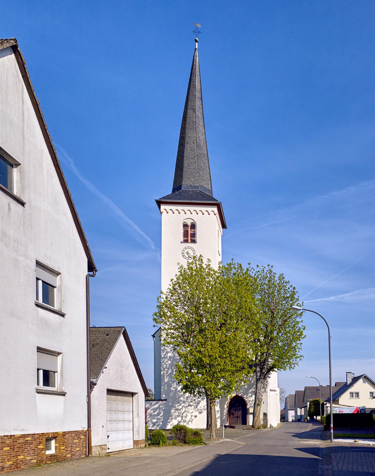 Kirche Mater Dolorosa, Driesch Sanierung Außenansicht Turm