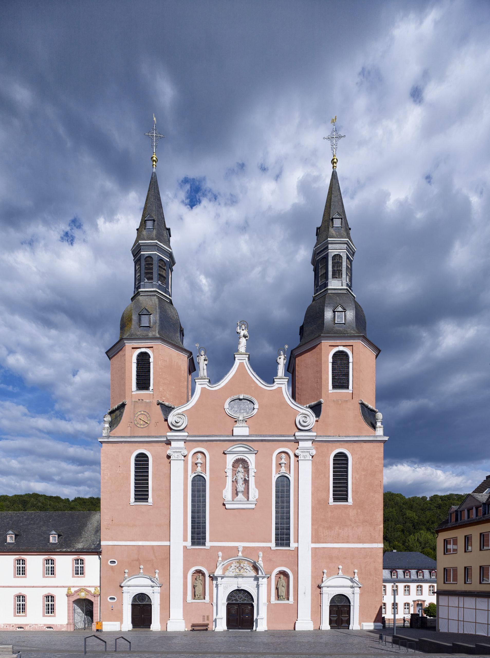 Vorderseite Basilika St. Salvator in Prüm