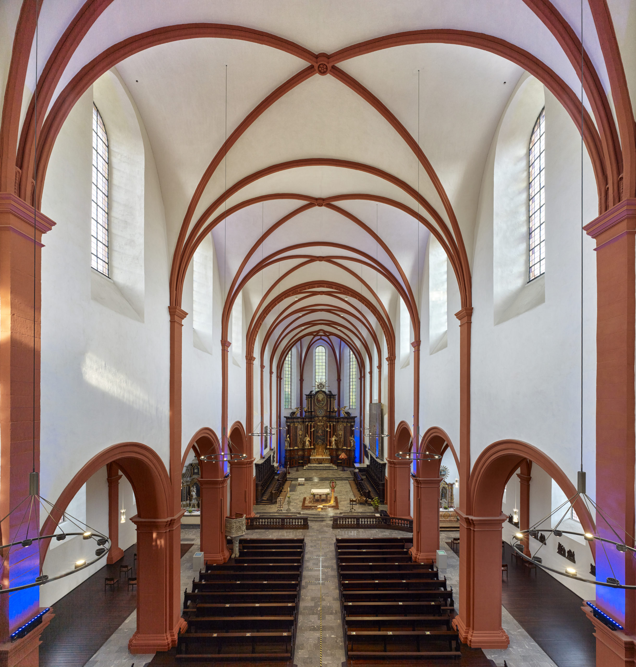 Innenraum Basilika St. Salvator in Prüm